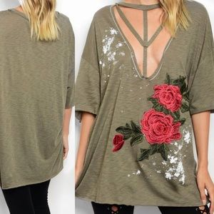 Tops - 🌹Olive Rose Distressed Top🌹💫