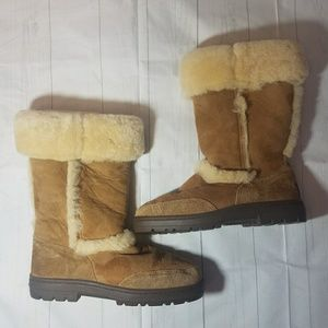 Tan Fluffy UGG Sundance Winter Boots