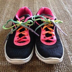 ⛔️REDUCED⛔️ Skechers Skech Knit Sneakers