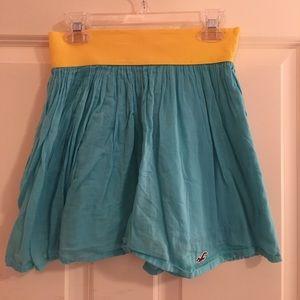 ⭐️SALE⭐️ flowy Hollister skirt