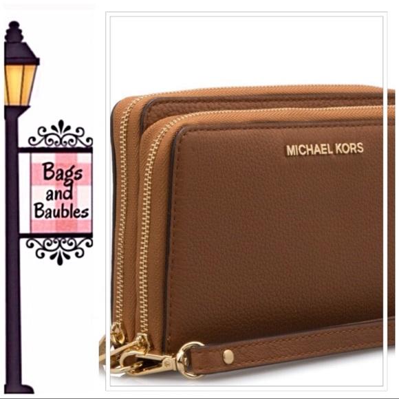e8727a0847e4 MICHAEL Michael Kors Adele Large Wallet