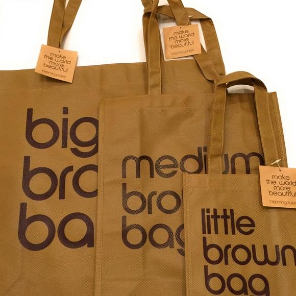 702bde6e57 Bloomingdale's Bags | Nwt Bloomingdales Big Medium Little Brown ...