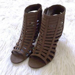 •SALE• Gladiator heels