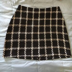 Black/White mini pencil skirt