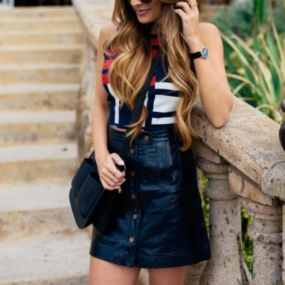 7e8b08579a9 Tommy Hilfiger x Gigi Hadid Leather Mini Skirt. M_5994b26b2de51272340043f6