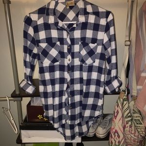 Tops - Blue and white flannel