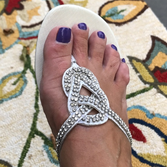 81843352c Beach wedding flip flops! Bride or guest 🐠. M 5994ce342de512300e00ac9a