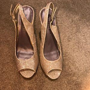 Shoes - Madden girl gold heels