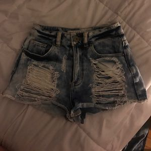Bullhead high waisted distressed shorts