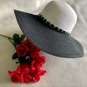 Accessories - ✨New! Shades of Black & White Glamour Floppy Hat