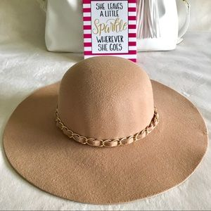 Accessories - ✨New! Ribbons & Chains Felt Floppy Hat