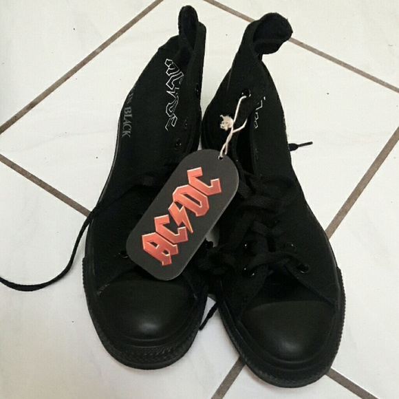 12878772c39c Converse AC DC Black in Black sneakers