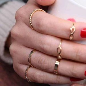 Jewelry - Set of midi rings