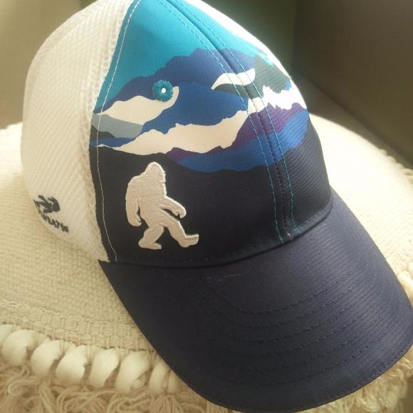 Headsweats Accessories - Headsweats trucker hat fb5be020a6aa