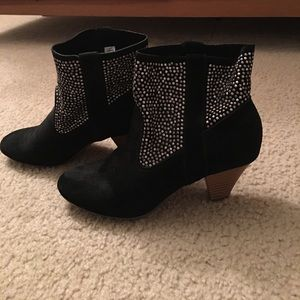 Black ankle boots American eagle size 9