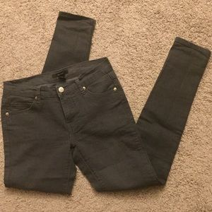 Forever21 gray jeans. Size 26.