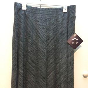 Dresses & Skirts - NWT plus sized Ava & Viv skirt