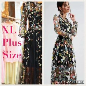 Dresses & Skirts - 🔥SALE 🌸HP🌸Embroidered Floral Gown
