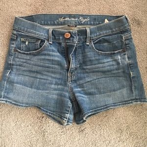 Mid Rise AE shorts. Size 8