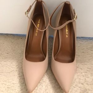 Shoes - Beige pumps never worn!