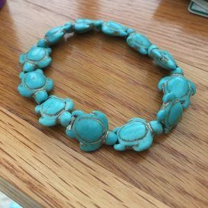 Jewelry - Turquoise TURTLE stretch bracelet - carved stone