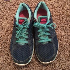 SALE Nike Tennis Shoes