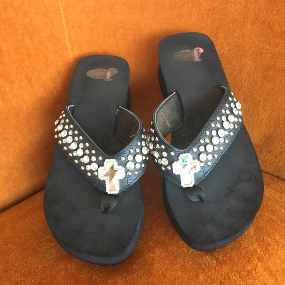 546827ee5e25c8 Justin Boots Shoes - Justin boots  ✨bling bling cross flip flops-10