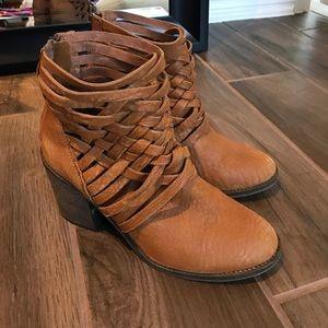 Brown/tan booties. Free People, size 39 or 9 (USA)