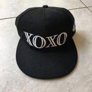 Accessories - Black XOXO snapback (EXO)