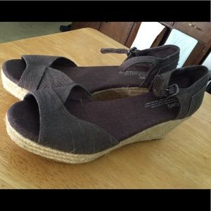 Toms wedge sandal size 8.5