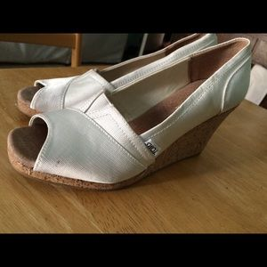 Tom's white canvas wedge sandal size 8.5