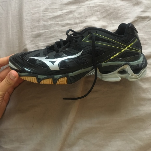 Mizuno Shoes - Wave Lightning RX3 volleyball shoes