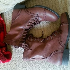 °•☆●COMBAT BOOTS SIZE 7.5 NEW●☆•°