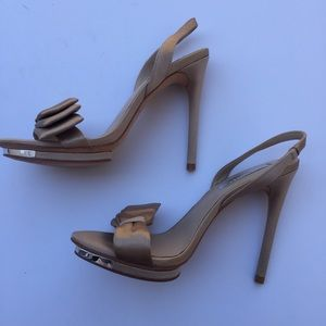 7cb1c43c3d BCBGMaxAzria Shoes - NWOT BCBGMAXAZRIA Lavi Bow Slingback Heels