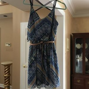 Blue floral cross back dress with belt!