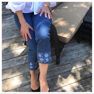 Denim - 🆕 embroidered Capri jeans