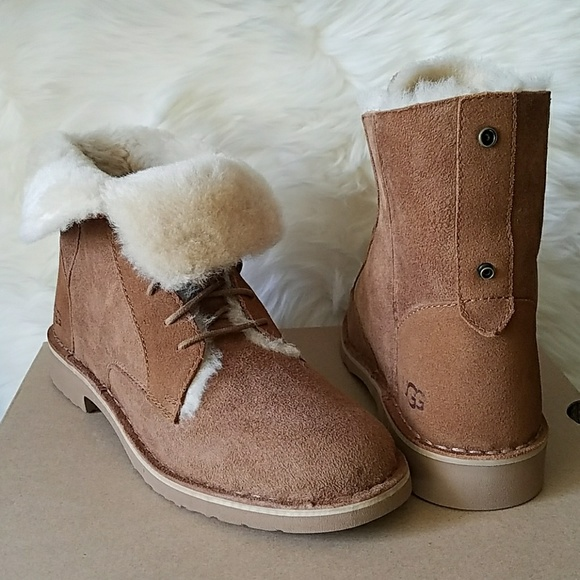 4241ae5ad31 UGG Quincy Suede Sheepskin Chestnut Boots