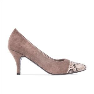 Beige Two Tone Snake Print Pump