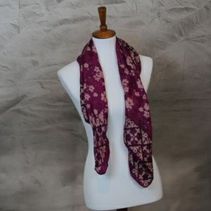 Accessories - 100% silk Indian floral pink scarf 🍁Host Pick🍁