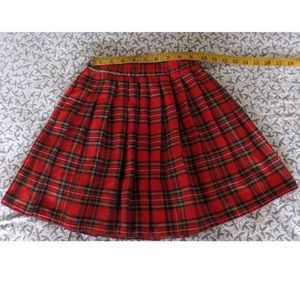 Other - From France pleated tartan skirt
