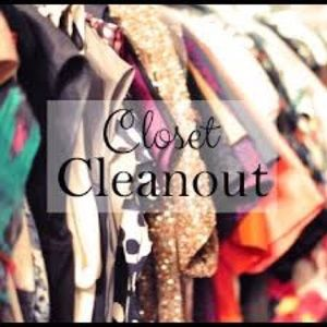 💥Closet Cleanout- Happening Now💥
