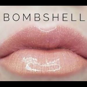 ❗️CLOSING SALE❗️Bombshell Lipsense Lipstick