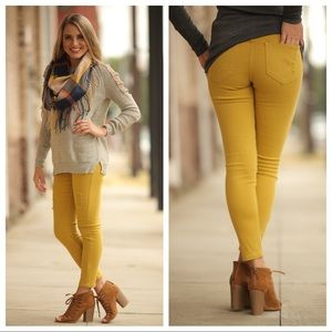 Denim - ✨RESTOCKED✨Mustard distressed skinny jeans