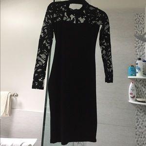 Dresses & Skirts - Peekaboo front collar dress super sexy small