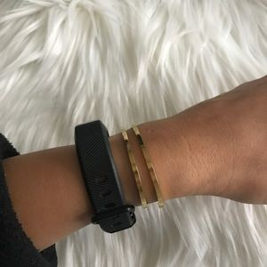 Jewelry - Gold plated thin bangles