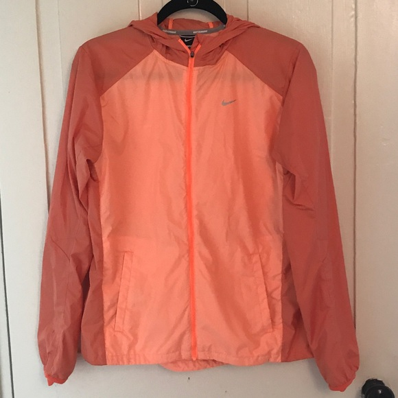 10946cb0ef Vibrant Nike Lightweight Hooded Running Jacket