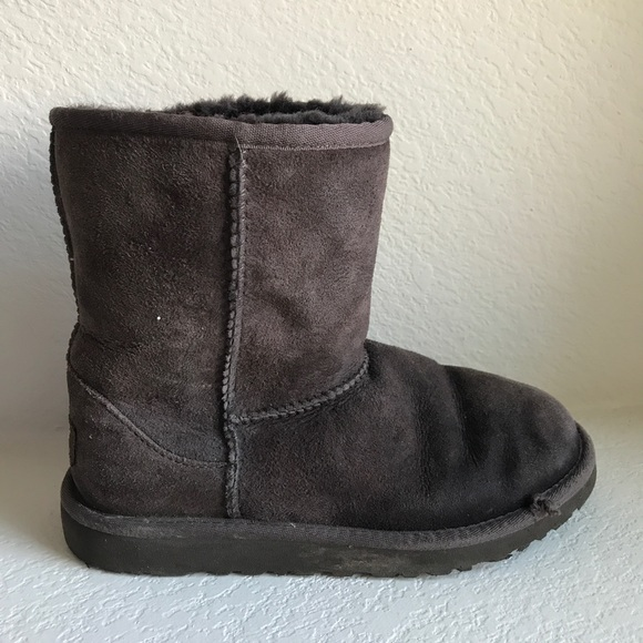 Girl's dark brown Classic Short UGG boots size 4