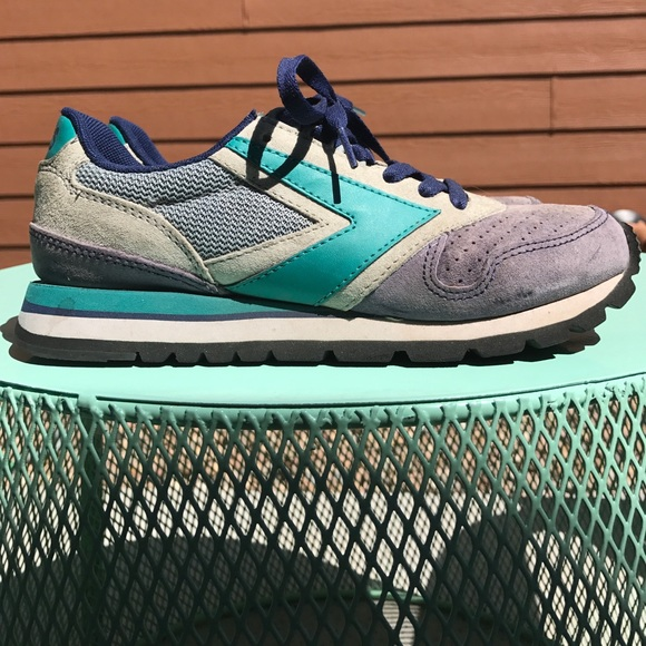 76be0505c58 Brooks Shoes - Rare Brooks Blue Green Chariot Heritage Sneaker