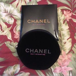 NWOT Chanel Beaute velvet pouch