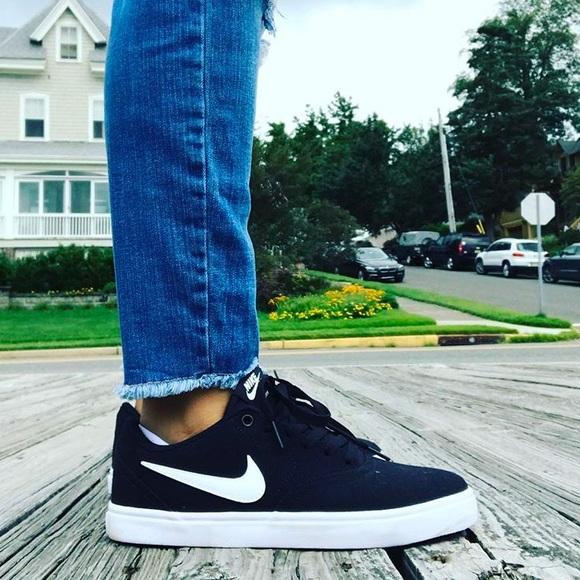 le scarpe nike sb  solars poshmark